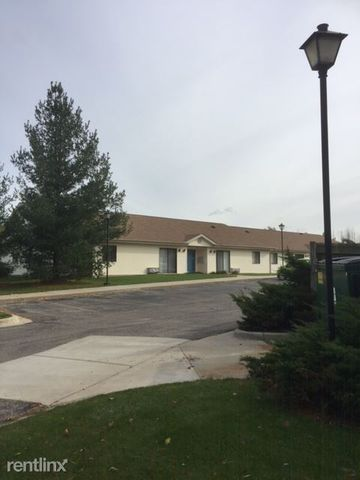 308 Willow Way Dr, Croswell, MI 48422