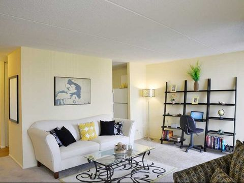 5441 N East River Rd Apt 368601, Chicago, IL 60656