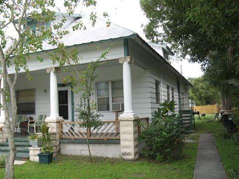 715 New York Ave, Saint Cloud, FL 34769