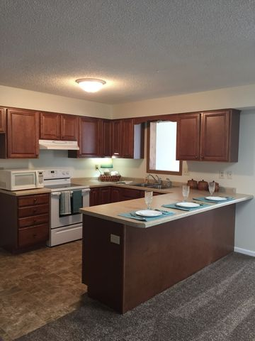 1306 Lincoln Ln Unit 4, Hastings, MN 55033