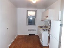 2400 Camberlegne Ave, Belmont, NY 10458