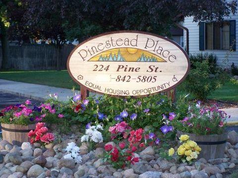 224 Pine St, Breckenridge, MI 48615