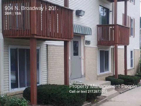 904 N Broadway Ave, Urbana, IL 61801