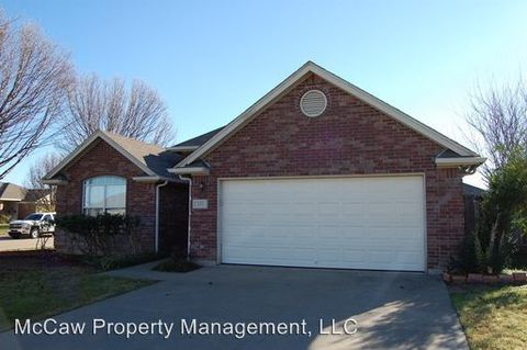 201 Willow St, Crowley, TX 76036