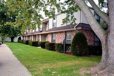 882 E Riverview Ave Apt 11, Napoleon, OH 43545