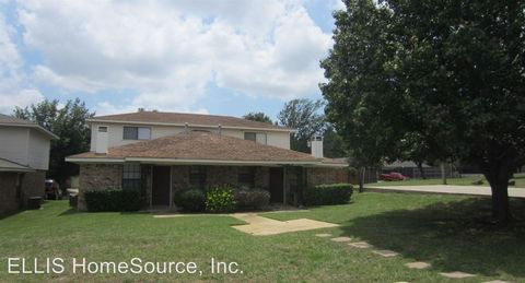 2432 W Northgate Dr, Irving, TX 75062