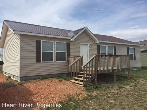 621 Jeanette Ave, Belfield, ND 58622