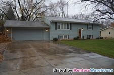 3232 Independence Ave N, New Hope, MN 55427