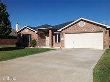 108 E Iowa Dr, Harker Heights, TX 76548