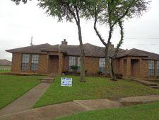 1755 Creekview Dr, Glenn Heights, TX 75154