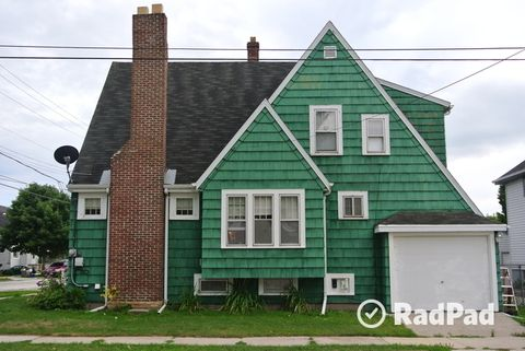 1922 Madison St, Two Rivers, WI 54241