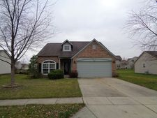 4915 Aquaduct Dr, Greenwood, IN 46142