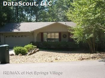 35 Segovia Dr, Hot Springs Village, AR 71909