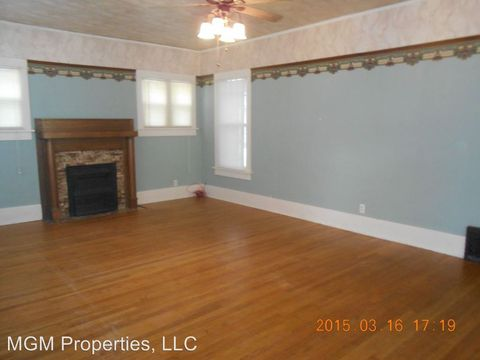 2207 Forest Ave, Great Bend, KS 67530