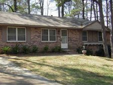 484 Evergreen Dr, Forest Park, GA 30297