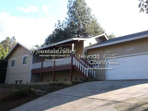 10925 Thornicroft Way, Grass Valley, CA 95949