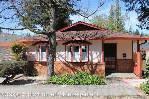 110 Pleasant St, Grass Valley, CA 95945