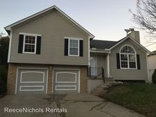 3109 Sw Shadow Brook Dr, Blue Springs, MO 64015