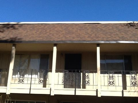 2421 Country Club Blvd Apt 28, Stockton, CA 95204