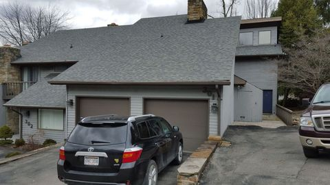 301 Lakeview Ests, Morgantown, WV 26508