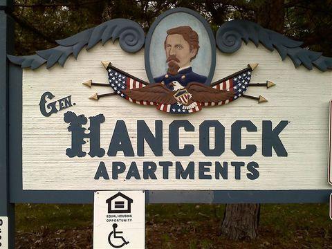531 W Randall St, Coopersville, MI 49404