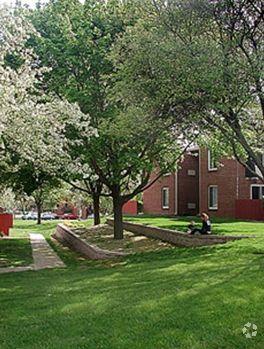 444 Gramercy Dr, Rockford, IL 61107