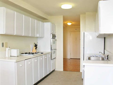 140 140 Hepburn Rd, Clifton, NJ 07012
