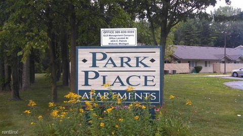 430 Parkside Ln, Hemlock, MI 48626