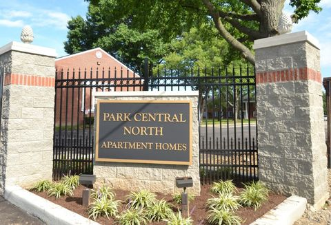 832 Park Central Ct, Indianapolis, IN 46260