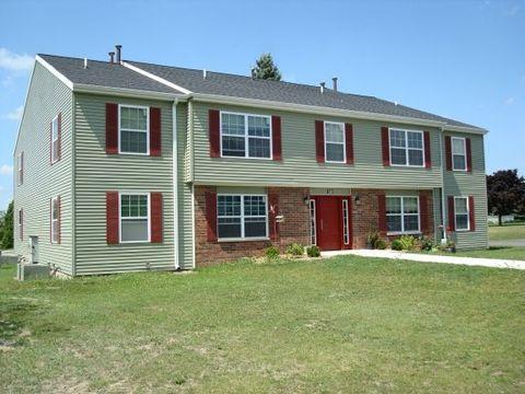 216 Meadow Hills Ln # 21, Fremont, MI 49412