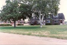 543 Charles Ave, Wood River, IL 62095