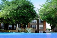 4208 W Pioneer Dr, Irving, TX 75061