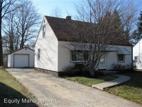460 N Glenellen Ave, Youngstown, OH 44509