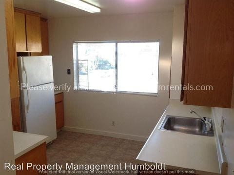 1307 G St, Eureka, CA 95501