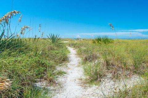 3522 El Centro St, Saint Petersburg Beach, FL 33706