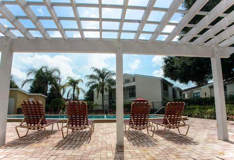 12702 University Club Dr, Tampa, FL 33612