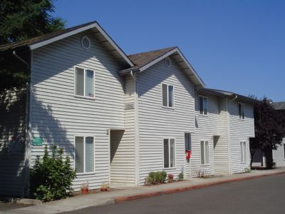5807 Aster St Apt 2, Springfield, OR 97478