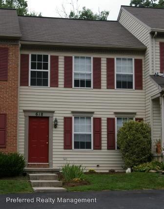 618 Rockwood Dr, Elizabethtown, PA 17022