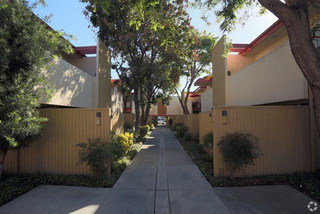 Montair Ave Long Beach Ca
