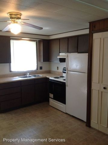 302 E Lincoln St, Wakarusa, IN 46573
