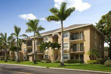 1400 Avon Ln, North Lauderdale, FL 33068