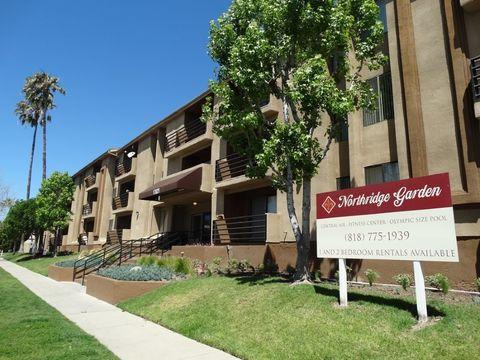 17821 Lassen St, Northridge, CA 91325