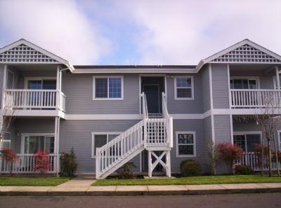 267 39th St Apt 3, Springfield, OR 97478