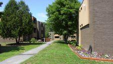 13 Centre Dr, Orono, ME 04473